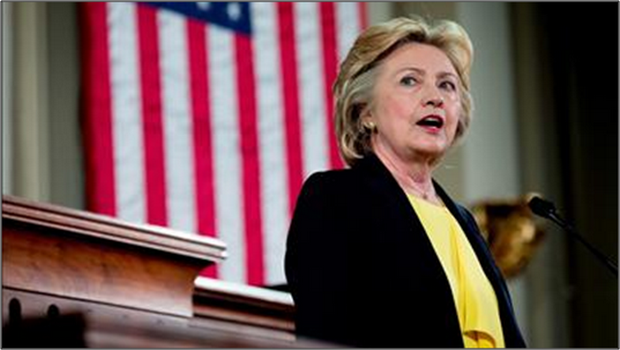 HILLARY CLINTON HONORE LES POLICIERS MORTS